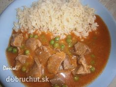 Fotorecept: Bravčové na hrášku so slovenskou ryžou Lunch Snacks, Thai Red Curry, Food And Drink, Menu, Chicken, Ethnic Recipes, Diet, Kitchens, Pork