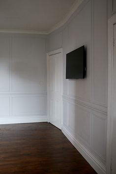 couleur murs Blackened Farrow&Ball et plafond + porte All white Farrow And Ball Living Room, Farrow And Ball Kitchen, Wall Paint Colors, Room Paint, Farrow Ball, Blackened Farrow And Ball, Pavilion Grey, Bedroom Doors, Interior Paint