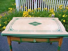 nope THIS ONE!!!!  Sweet 1933 Porcelaine Enamel Table on Craigslist I grew up with a table like this -- nostalgia!