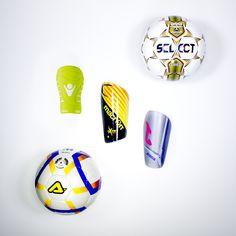 Palloni da calcio e parastinchi, presso B.box Store #bbox #store #sport #negozio #cento #italy#serigraphy #distribution #factory #macron #joma #acerbis