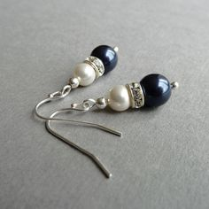 Navy Earrings - Pearl Bridesmaid Jewelry - Dark Blue and Ivory Pearl Drop Earrings - Navy Blue Bridesmaids Gifts - Wedding Jewellery