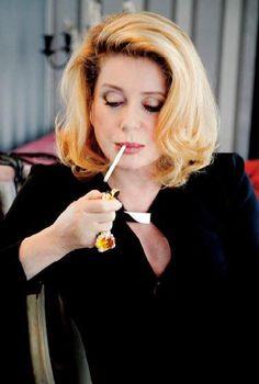 Catherine Deneuve, Catherine O'hara, Catherine The Great, French Beauty, Classic Beauty, Christian Vadim, Kino Theater, Ageless Beauty, Women Smoking