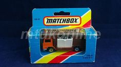 MATCHBOX 1983 HORSE BOX | MADE IN GB | MB40 | WHITE HORSES INSIDE | DAMAGED BOX