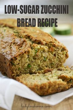 Low sugar zucchini bread that is moist, dense, and delicious. This low sugar zuc… Low-sugar courgette bread that is moist, dense and delicious. This low-sugar zucchini bread is quick and easy to prepare and can be used for breakfast or as a snack. Low Sugar Zucchini Bread Recipe, Zucchini Bread Muffins, Gluten Free Zucchini Bread, Healthy Bread Recipes, Zucchini Bread Recipes, Banana Bread Recipes, Baking Recipes, Low Sugar Recipes, Zuchinni Carrot Bread