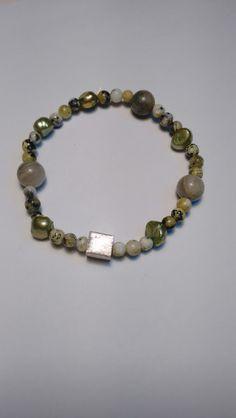 Armband edelstenen en zilveren kubus. van Atelier925 op DaWanda.com