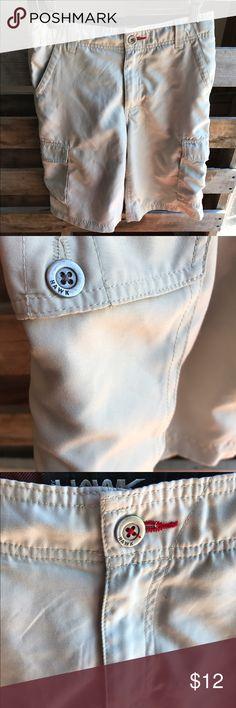 Hawk shorts boys 14 GUC Smoke and pet free home. Bundle discount 20% Hawk Bottoms Shorts