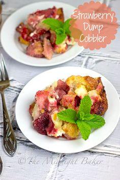 Strawberry Dump Cobbler | bakeatmidnite.com | #fruitcobbler #strawberries #desserts