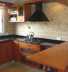 - Modelo EURO - Madera Roble Cerejeira - Contactanos para diseñar y fabricar tu proyecto: info@legnogroup.com.ar / 47295699 #kitchen #cocina #design #diseño #legno #madera #wood #modern #moderno #argentina