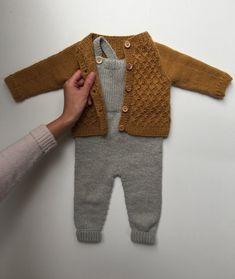 Willums Latzhose - Knitting For Kids Baby Boy Knitting, Knitting For Kids, Baby Knitting Patterns, Vêtements Goth Pastel, Baby Boy Fashion, Kids Fashion, Fashion Outfits, Vêtement Harris Tweed, Crochet Baby