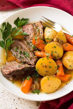 beef with carrots and potatoes in cookeo - an easy recipe. - beef with carrots and potatoes at cookeo, a delicious dish of minced meat with vegetables for your - Pot Roast Recipes, Crockpot Recipes, Cooking Recipes, Healthy Recipes, Potato Recipes, Dinner Recipes, Tofu Recipes, Oven Pot Roast, Vegetarian Recipes