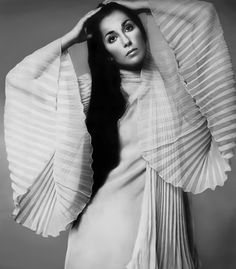 Cher photographed by Richard Avedon for Vogue (1969)