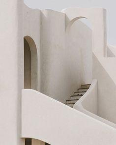 The perfect balance of straight lines and curves. Santa Cesarea, Puglia, Italia. @llautllaut