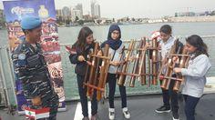 Pelajar Lebanon Dihibur Kesenian Tradisional Banyumasan