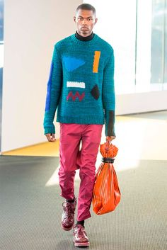 KENZO Menswear has taken Paris Fashion Week to present the fall winter 2015 menswear collection designed by label's dynamic duo Carol Lim & Humberto Leon. Men's Fashion, High Fashion, Fashion Show, Fashion Design, Paris Fashion, Fashion Styles, Kenzo, Mens Fall, Lookbook