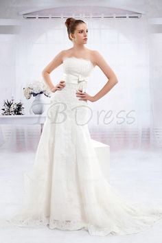 Pretty Slight Trumpet/Mermaid Strapless Floor-length Chapel Wedding Dress