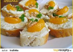 Šlehaná pomazánka na jednohubky recept - TopRecepty.cz Wedding Appetizers, Yummy Appetizers, No Salt Recipes, Cooking Recipes, Party Platters, Savory Snacks, Food 52, Party Snacks, International Recipes