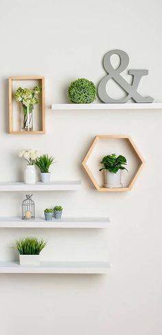 23 Clever DIY Christmas Decoration Ideas By Crafty Panda Home Room Design, Home Decor Accessories, Aesthetic Room Decor, Wall Shelf Decor, Home Decor Bedroom, Home Deco, Room Decor, Aesthetic Rooms, Home Decor Furniture