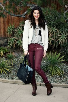 How to wear: Maroon pants Maroon Pants, Burgundy Pants, Red Pants, Wine Pants, Boating Outfit, Autumn Winter Fashion, Winter Style, Fall Fashion, Fashion Drug