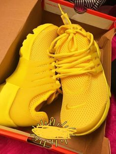 reputable site 8afde 46378 Tenis Vans, Sneaker Heels, Yellow Sneakers, Yellow Nikes, Dream Shoes, Nike
