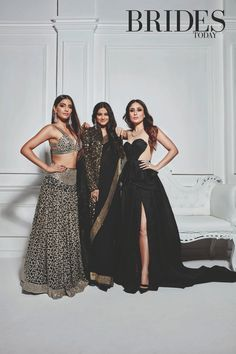 Sonam Kapoor and Kareena Kapoor Bollywood Fashion Indian Celebrities, Bollywood Celebrities, Bollywood Actress, Indian Bollywood, Bollywood Fashion, Bollywood Stars, Indian Fashion Trends, Asian Fashion, Indian Attire