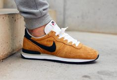 Nike Internationalist Leather Bronze