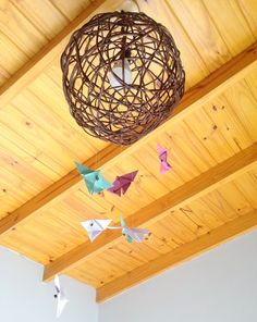 Colgante de mariposas de Origami - Mamy a la obra