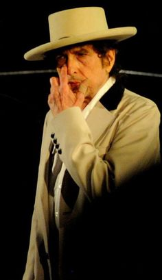 Bob Dylan at The Beacon Theatre NYC 2014 (Photo credit © Andrea Orlandi used with permission)