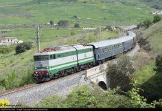 RailPictures.Net Photo: Trenitalia E646-196 at Agrigento (Sicily), Italy by Alberto Verdirame