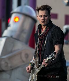 richardwestermarkJohnny Depp with Hollywood Vampires fantastic gig tonight in Stockholm Sweden