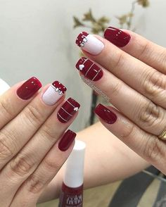 43 Unique Spring And Summer Nails Color Ideas That You Must Try 21 Red Nails, Hair And Nails, Valentine Nail Art, Cute Nail Art Designs, Flower Nail Art, Manicure E Pedicure, Pretty Nail Art, Stylish Nails, Holiday Nails