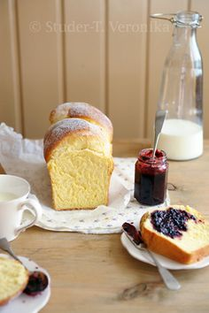 I just love brioche and this is a really pretty picture.
