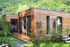 Blockhaus mit 3 Schlafzimmern Hansa Holiday G / 14 x / Mini house, cottage, cube, prefabricated house,. Tiny House Cabin, Tiny House Design, My House, Town Country Haus, Casa Loft, Casas Containers, Prefabricated Houses, Wooden House, Kit Homes