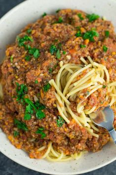 "Vegetable bolognese recipe made with mushrooms, carrots, celery, garlic, and onion. A delicious meatless vegetarian ""meat"" sauce recipe. Vegetable Bolognese, Vegetarian Bolognese, Vegetarian Spaghetti, Bolognese Recipe, Bolognese Sauce, Vegan Pasta, Tasty Vegetarian Recipes, Raw Food Recipes, Veggie Recipes"