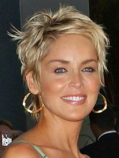 short+hairstyles+for+women | The blonde short hairstyles are mostly worn by prettiest celebrities.