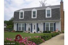 2470 Quaker Court Waldorf MD...Spacious & Adorable 4 bedroom 2.5 bath single family home listed for $239,900 just 30 mins from Washington DC .