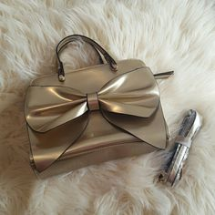 Bag Cute little gold bow bag. New without tag. Bags Shoulder Bags