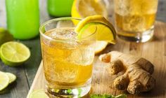 Ginger ale is a carbonated drink made with ginger, lemon and herbal garnishes.Read more to see recipe ideas and how to make ginger ale. Sugar Free Ginger Beer, Homemade Ginger Ale, Ginger Fizz, Ginger Juice, Cranberry Juice, Natural Colon Cleanse, Natural Detox, Ginger Benefits, Water Benefits