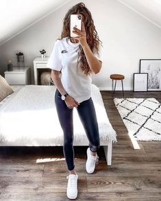 Teenage Girl Outfits, Teenager Outfits, Teen Fashion Outfits, Mode Outfits, New Outfits, Fashion Women, Style Fashion, Cute Comfy Outfits, Casual Winter Outfits