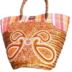 Handmade Straw Baskets, with peach design, incl shipping