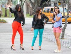 Kim Kardashian and Khloe Kardashian Photo - Kim & Khloe Film Their Reality Show In Miami