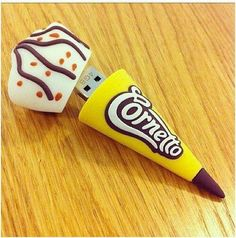 Imagen de cornetto, ice cream, and usb Usb Drive, Usb Flash Drive, Usb Stick, Accessoires Iphone, Rgb Led, Cute School Supplies, Portable Charger, Computer Accessories, Stationery