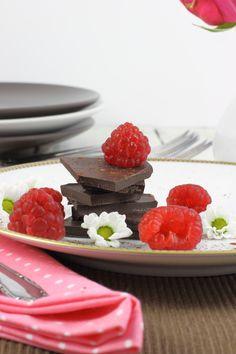 Himbeeren Schokolade Schnitten / Chocolate cake with raspberries