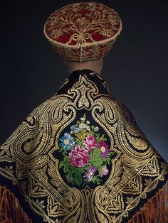 Russia, Second half of cent. Entered the Hermitage in purchased from a private person. Russian Traditional Dress, Traditional Dresses, Gold Embroidery, Embroidery Fashion, Quirky Fashion, Ethnic Fashion, Ethnic Dress, Russian Fashion, Embroidery For Beginners