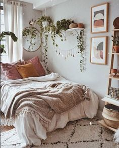 Rustic Bedroom Ideas - 25 Rustic Bedroom Design as well as Decoration Ideas for a Cozy as well as Comfy Space. 25 Fresh Rustic Layout and also Decoration Ideas to Give a Charming Look to Your Bedroom. Room Ideas Bedroom, Small Room Bedroom, Home Bedroom, Modern Bedroom, Bedroom Decor, Small Rooms, Bed Room, Minimalist Bedroom, Bedroom Plants