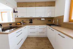 Bílá kuchyně s americkou lednicí | Barbora Grünwaldov á Kitchen Cabinets, Home Decor, Decoration Home, Room Decor, Cabinets, Home Interior Design, Dressers, Home Decoration, Kitchen Cupboards