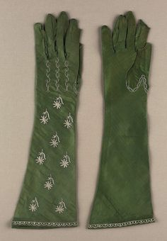 Women's gloves, silk satin embroidered with silk, early 19th century, French.
