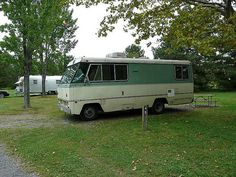 Vintage RVs and Motorhomes (Pics) Vintage Motorhome, Vintage Rv, Vintage Travel Trailers, Rv Makeover, Recreational Vehicles, Dodge, Class B, Camper Van, Chevy