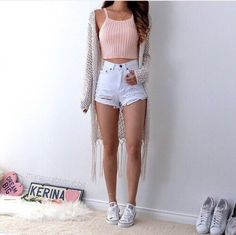 gjpuyv-l-610x610-shorts-white-black-tumblr-grunge-tumblr+outfit-pale-pale+grunge-highwaisted-weheartit-aesthetic+tumblr-aesthetic+grunge.jpg (610×608)