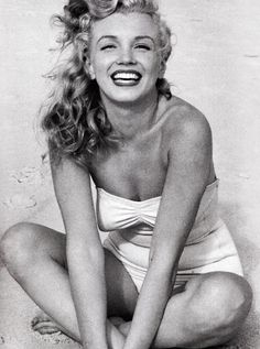 Marilyn Monroe by Andre de Dienes. Tobey Beach, 1949