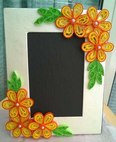 Photo Frame Quilling Dolls, Paper Quilling Patterns, Paper Quilling Jewelry, Origami And Quilling, Neli Quilling, Quilling Craft, Quilling Flowers, Quilling Designs, Paper Flowers